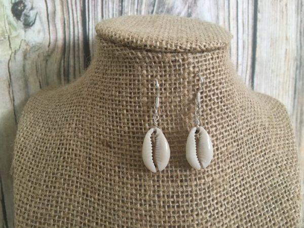 Cowrie dangle earrings 3