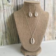cowrie necklace and earring set 1