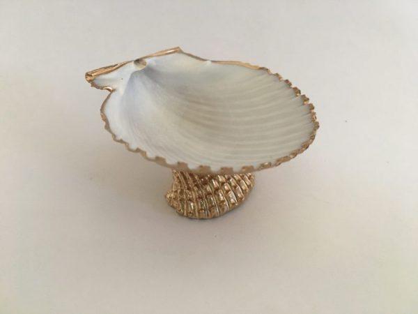 small gold seashell ring dish 3