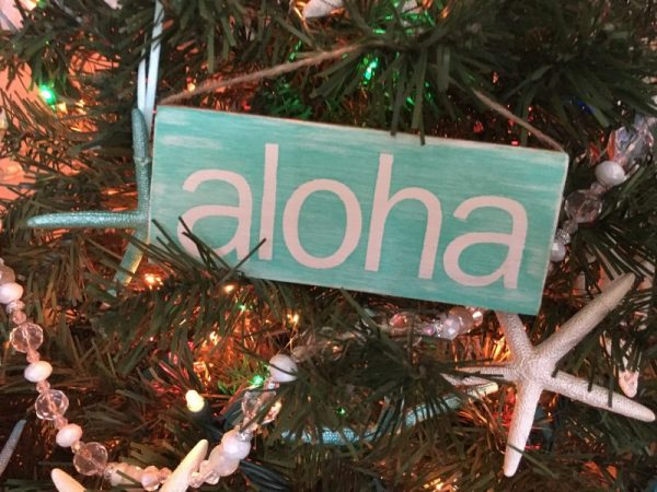 Aloha painted mini wood sign ornament 2