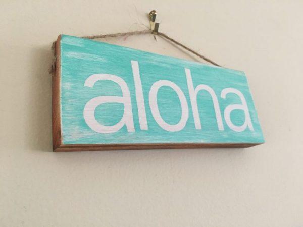 Aloha painted mini wood sign ornament 6