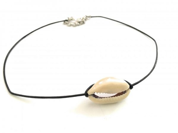 Cowrie Seashell Choker Necklace 3