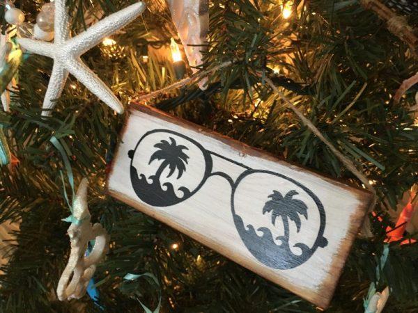 Sunglass Wood Hanging 1