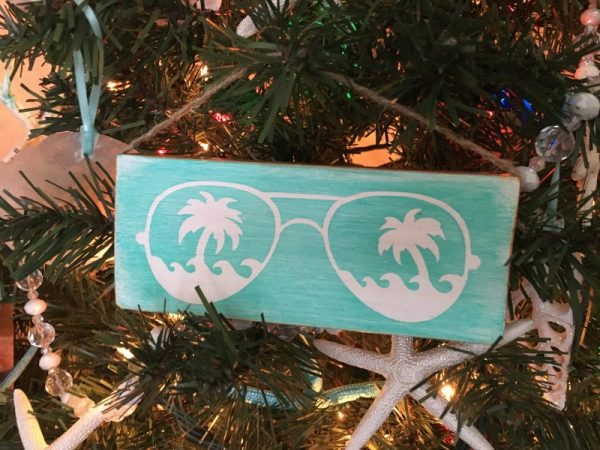 Sunglasses mini wood sign ornament 2