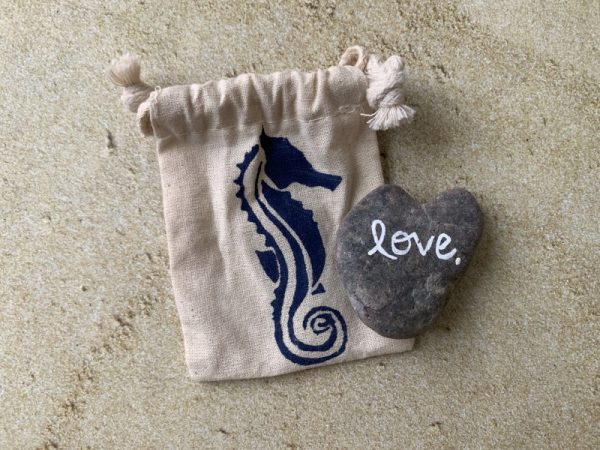 L1.12 Heart Shaped Beach Stone
