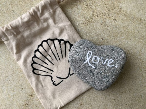 L1.14 Heart Shaped Beach Stone